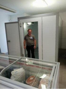 Kühlzelle 1660X1660X2200 incl.Aggregat,Boden in Edelstahl!