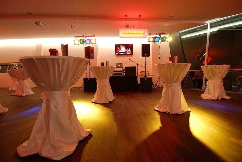 Konzert- und Veranstaltungsgesellschaft mbH & Co. KG Kiel in 24103 Kiel